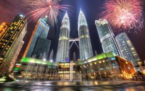 Cities_Petronas_Towers__Kuala_Lumpur_033586_-300x188 Удивляем местных жителей Куала-Лумпур квестами