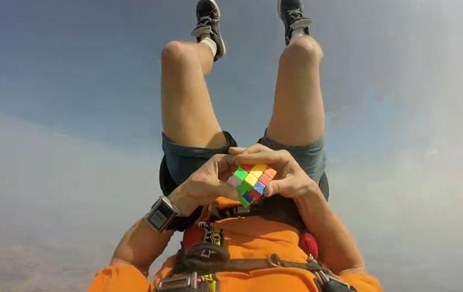 skydiver__3436465k_650x410 А Вы знаете, в какие квесты играет США?