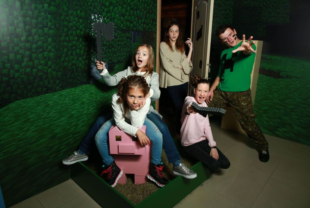 family_quest_mainkraft_novyi_virtualnyi_portal_photo1-1024x688 В квест-комнату всей семьей